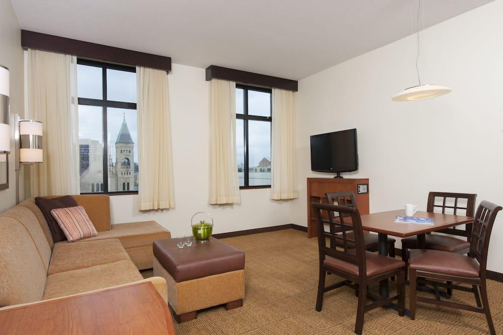Kambarys, 1 didelė dvigulė lova (With Sofa Bed, High Floor) - Svetainės zona