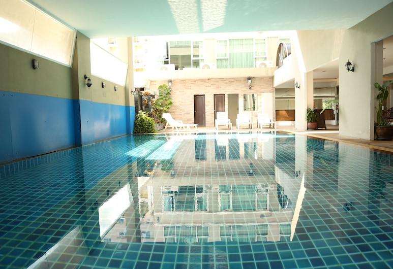ボス スイーツ ナナ ホテル, バンコク, 屋内プール