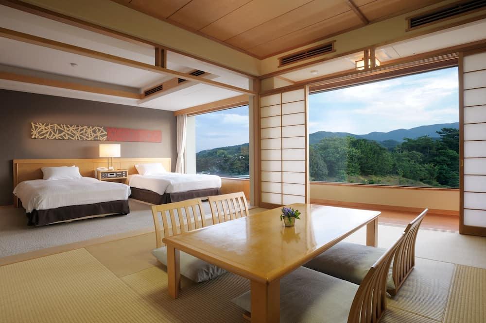 Dvojlôžková izba (with Japanese-Tatami Room) - Výhľad na hory