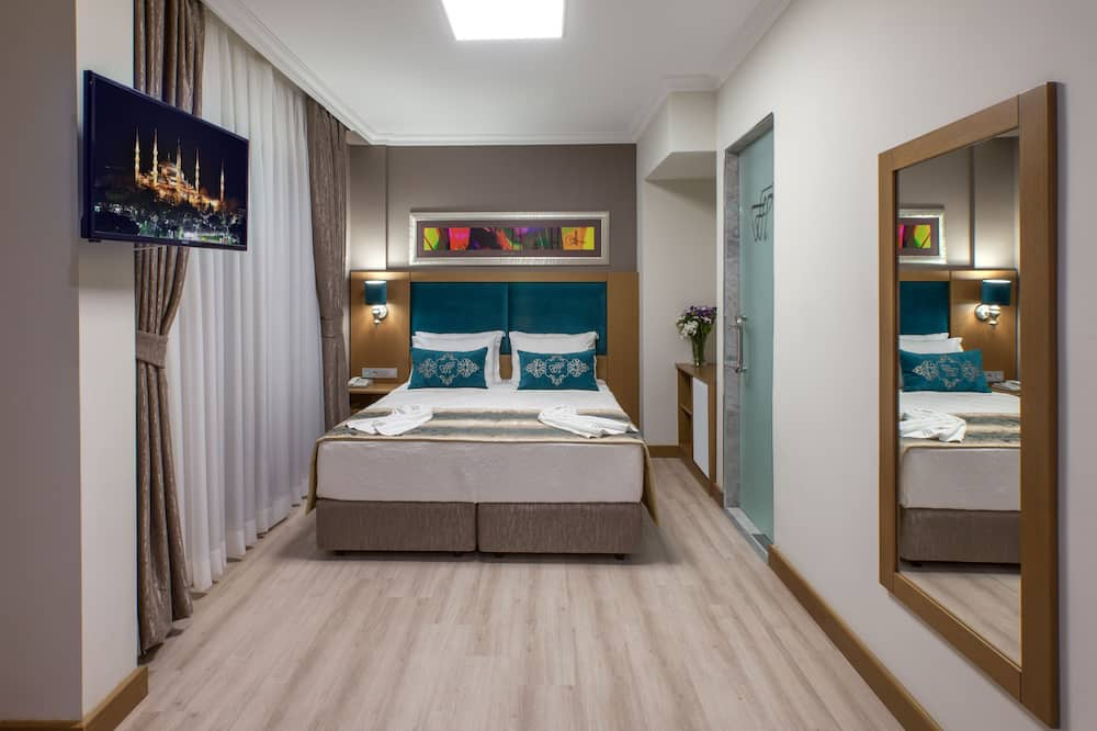 Basic Suite, Balcony, City View - Guest Room