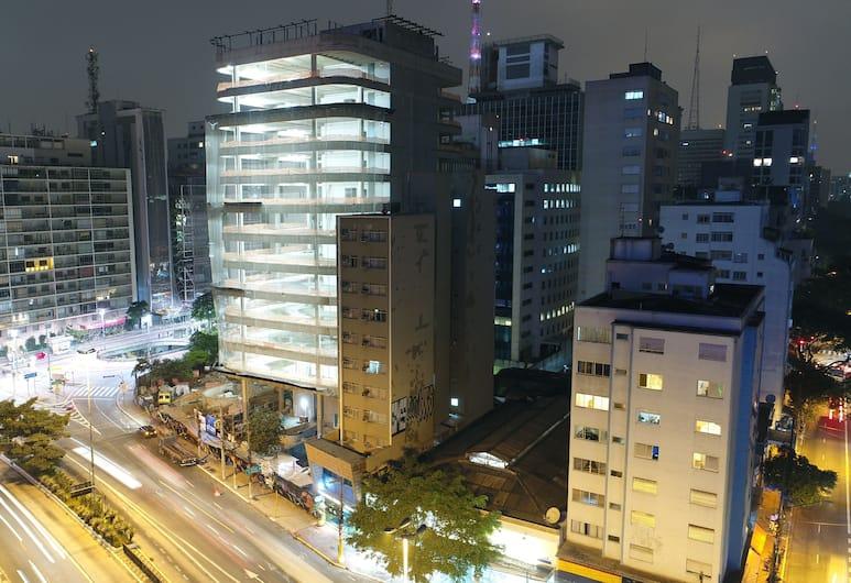 Paulista Center Hotel, San Paulas, Viešbučio fasadas vakare / naktį