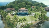Choose This Five Star Hotel In Phu Loc