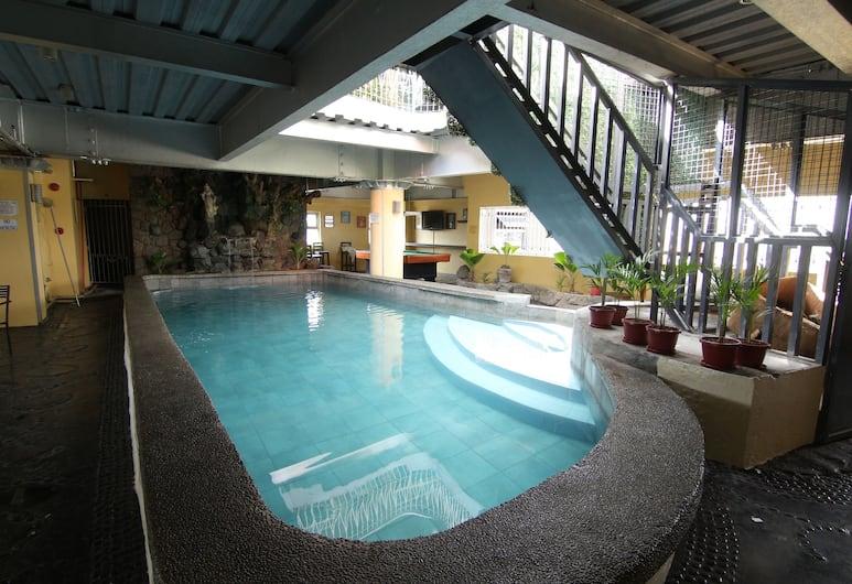 OYO 106 24H City Hotel, Makati, Hồ bơi