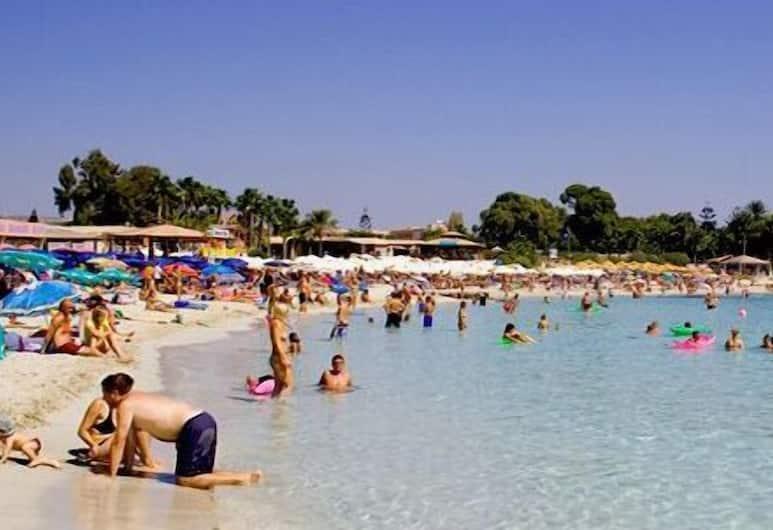 코스멜레니아 호텔 아파트먼트, 아이아 나파, 해변