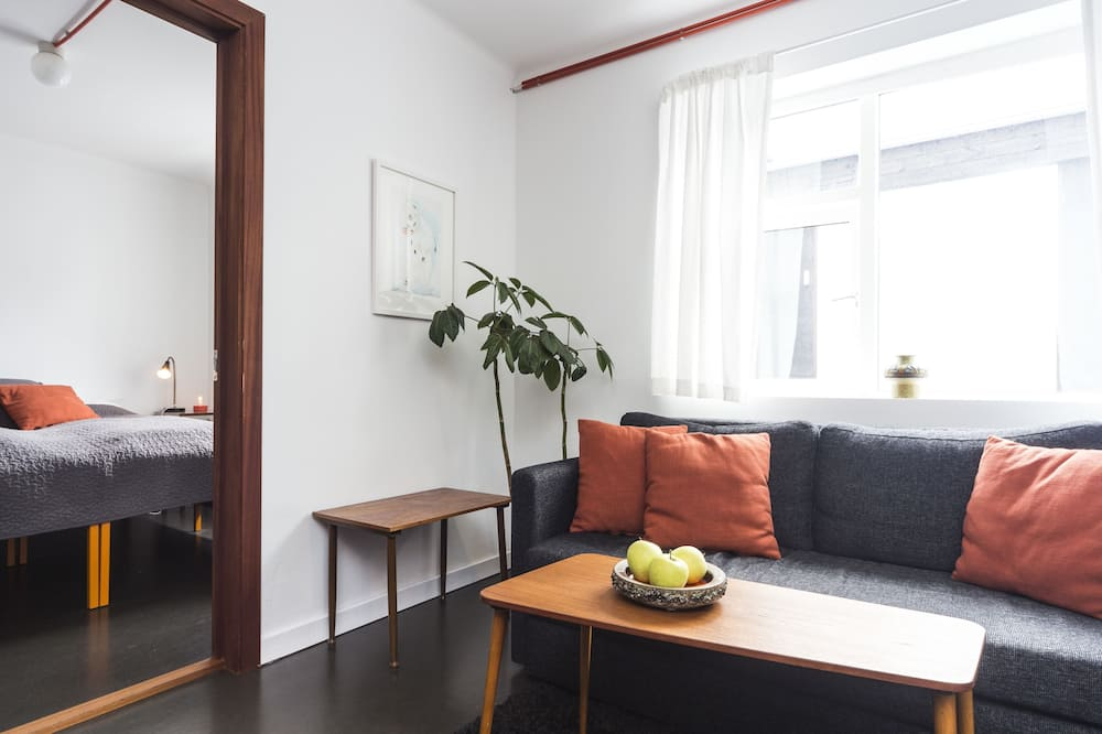 Standard Apartment, 1 Bedroom, 2 adults - Living Area