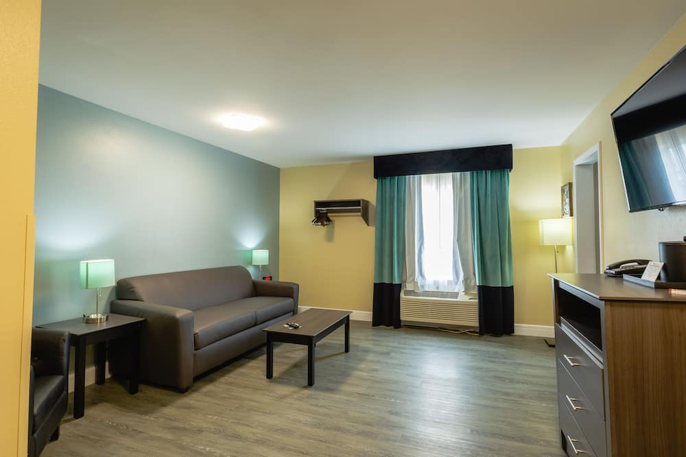 Suite, Multiple Beds, Non Smoking - Living Area