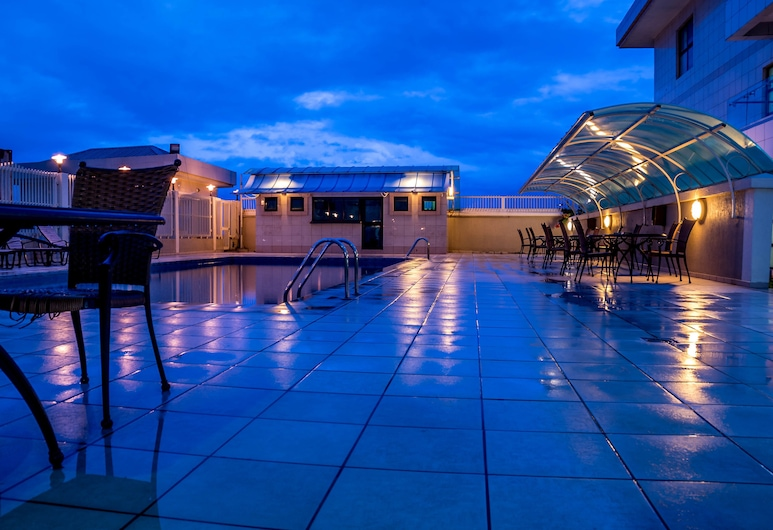 拉哥斯庫拉莫瓦特斯萬豪普羅蒂飯店, 拉各斯, 室外游泳池