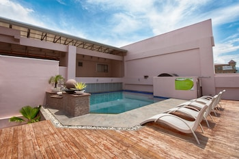 A(z) Diamond Suites And Residences hotel fényképe itt: Cebu