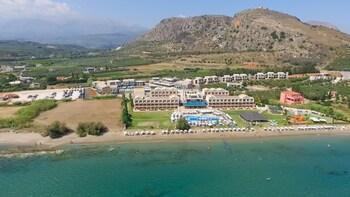 Φωτογραφία του Kiani Beach Resort Family - All Inclusive, Χανιά