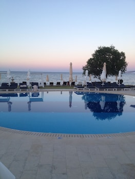 Gambar Kiani Beach Resort Family - All Inclusive di Chania