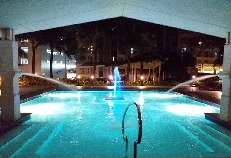 Grass Residence SM North Condotel by Mademoiselle, Quezon City, Fountain