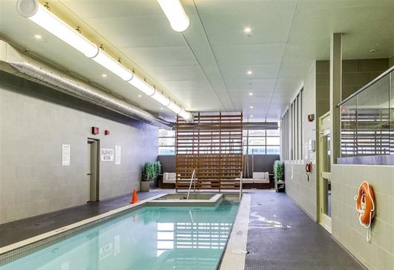 Luxury Vacation Condo 2 Bdr 2 Bath, Toronto