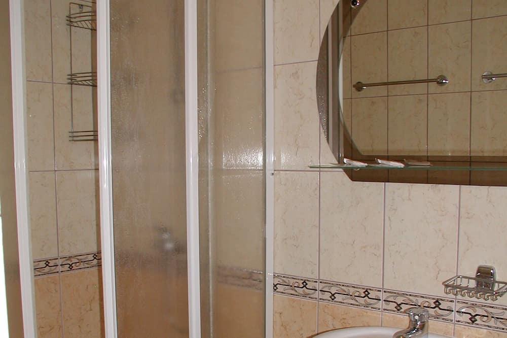 Chambre Confort avec lits jumeaux - Salle de bain