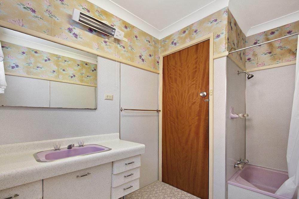 Ferienhaus (3 Bedrooms) - Badezimmer