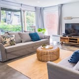 Ev (5 Bedrooms) - Oturma Alanı