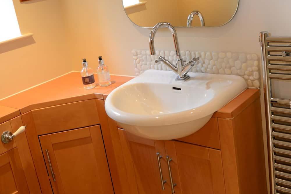 Cottage, 2 Bedrooms - Bathroom Sink