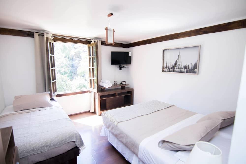 Triple Room (9) - Guest Room