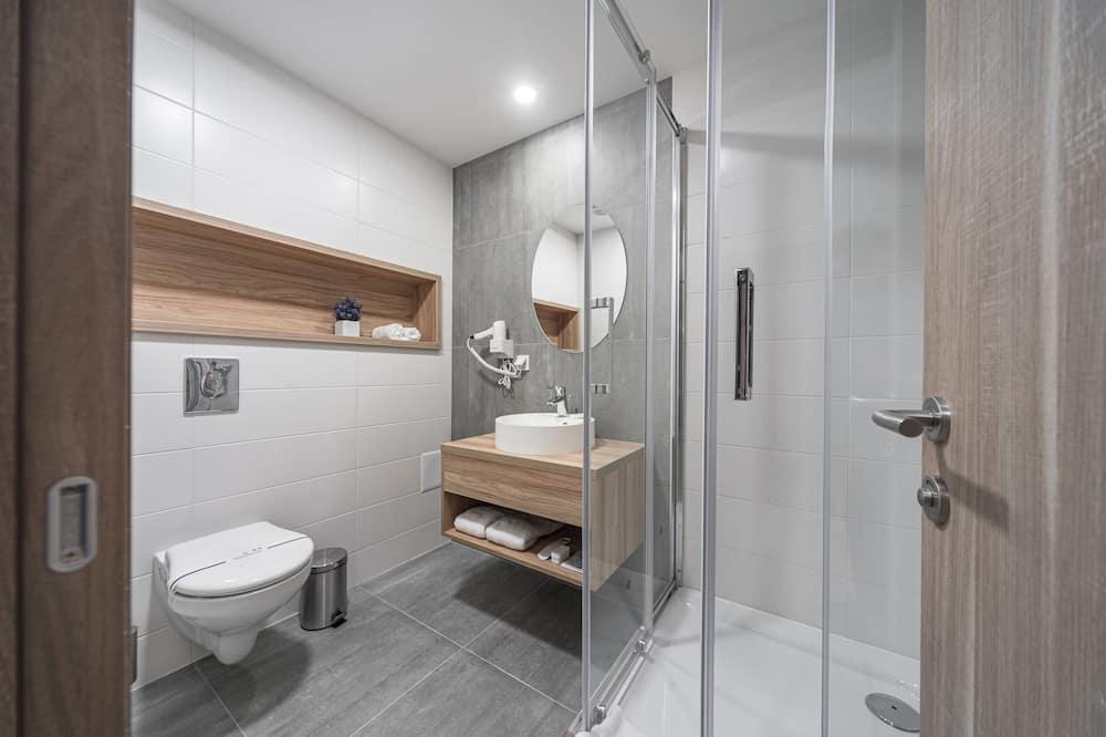 Family Room (Capital) - Bathroom