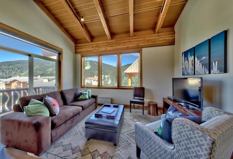 Kookaburra Lodge #401 By Bear Country, Sun Peaks, Condo, 3 Bedrooms, Living Room