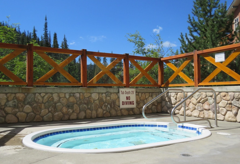 Fireside Lodge #302 By Bear Country, Sun Peaks, Condo, 2 Bedrooms, Spa