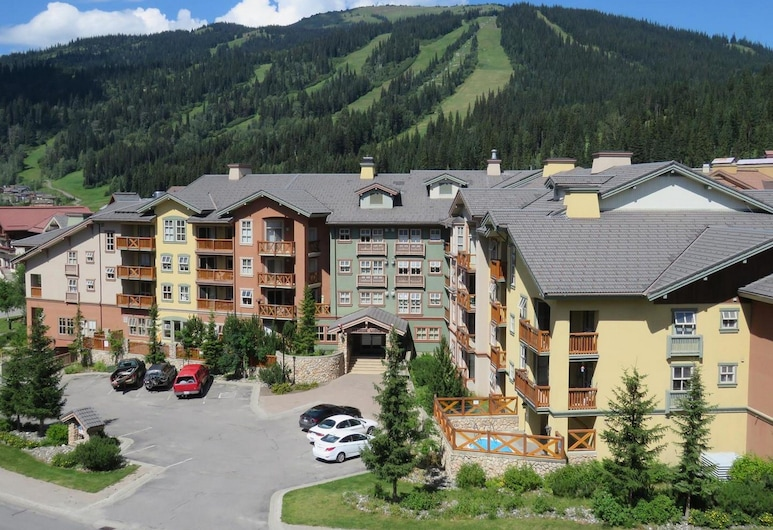 Fireside Lodge #419 By Bear Country, Sun Peaks, Front of property