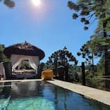 Luxury Cabin, Multiple Beds, Garden View - Private pool