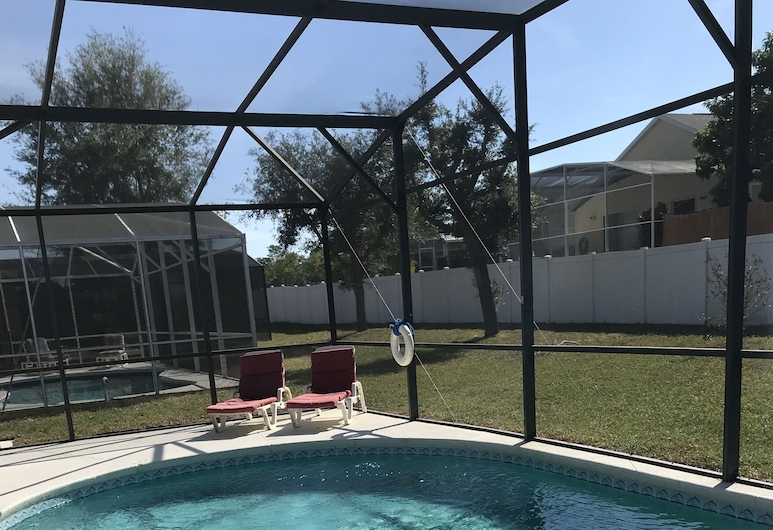 5 Bedroom Pool Home, Davenport