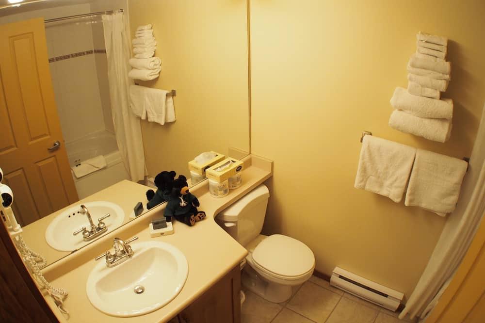 Suite, 1 Tempat Tidur King dengan tempat tidur Sofa - Kamar mandi