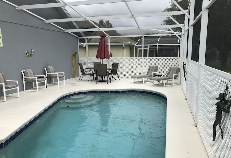 4 Bedroom Pool Home, Davenport