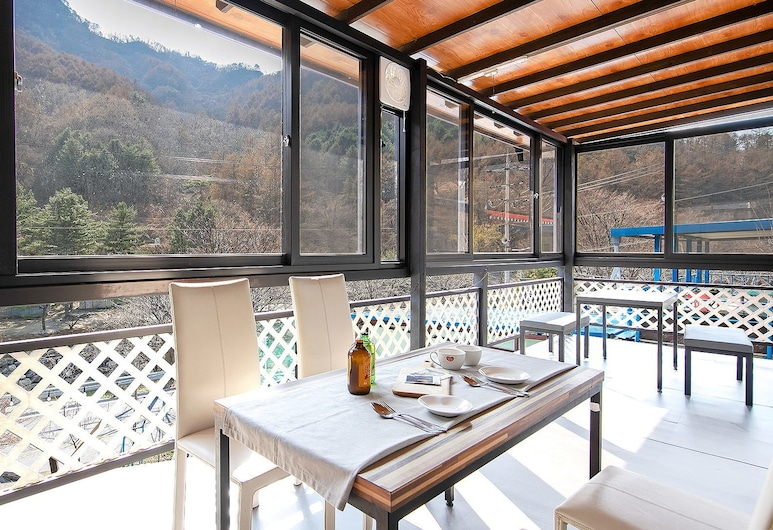 First Love Pension, Gapyeong, Snow 4, Terrace/Patio