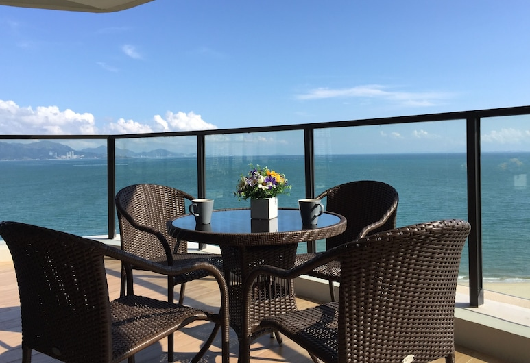 Xi Yue Hai Bin Holiday Hotel, Huizhou, Exclusive Suite, 2 Bedrooms, Balcony