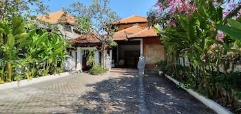 ヌサドゥア、ホテル ラサ サヤン ビーチ イン タンジュン ベノアの写真
