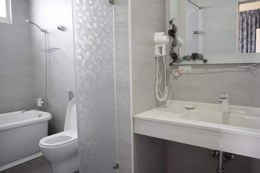 Dvokrevetna soba, pogled na ocean - Tuš u kupaonici