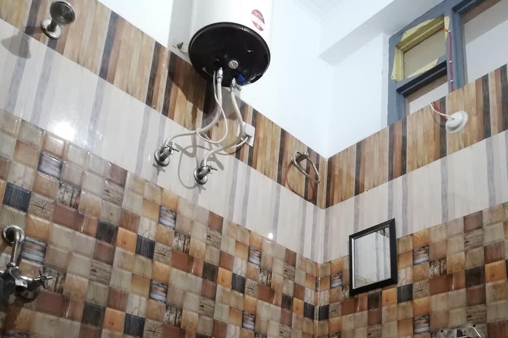 Deluxe Room, Ensuite (AC) - Bathroom
