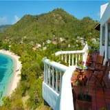 Beach Villa With 3 Bedrooms, 3 Bathrooms and Private Pool in Carriacou, Grenada