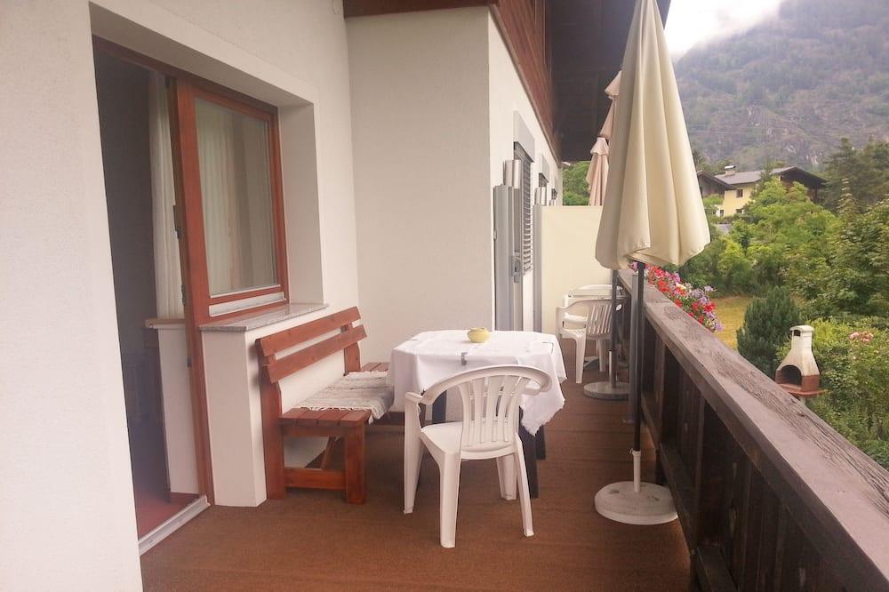 Basic apartman, 3 spavaće sobe, za nepušače, pogled na planinu - Balkon