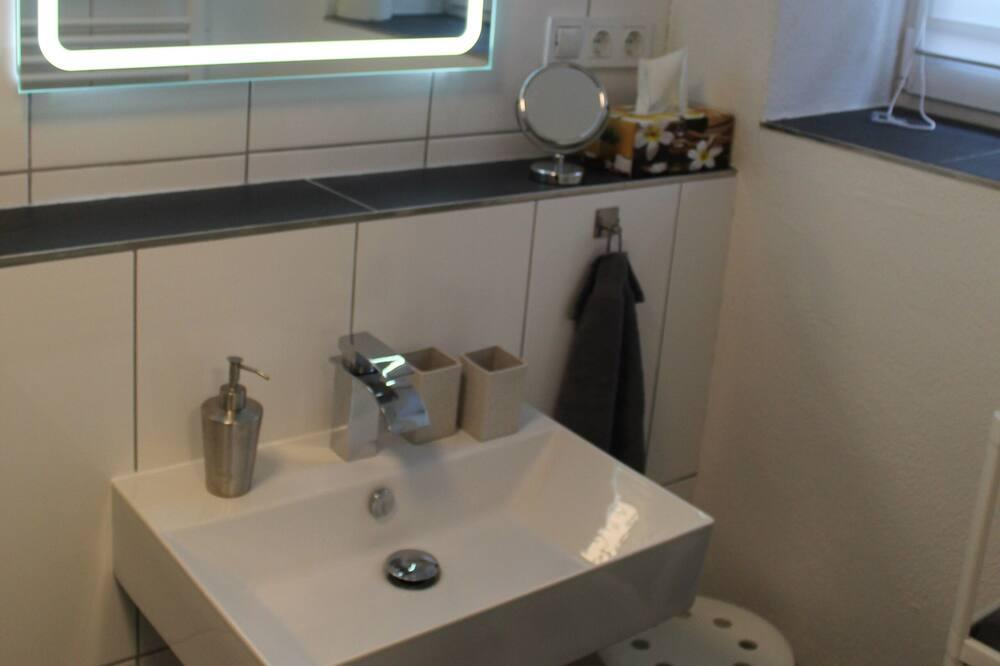Comfort-talo, 3 makuuhuonetta, Tupakointi kielletty (+50€ Cleaning Fee Per Stay) - Kylpyhuone