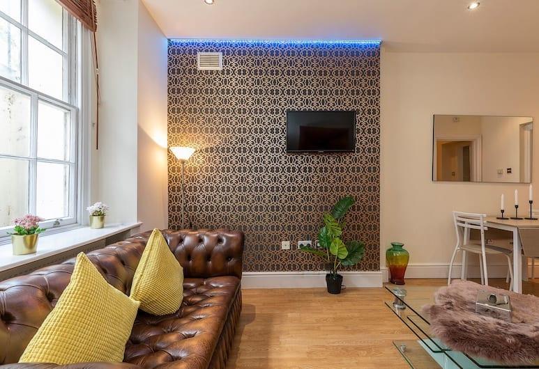 Stylish Family Apartment Near Oxford Street F1, London, Lounge