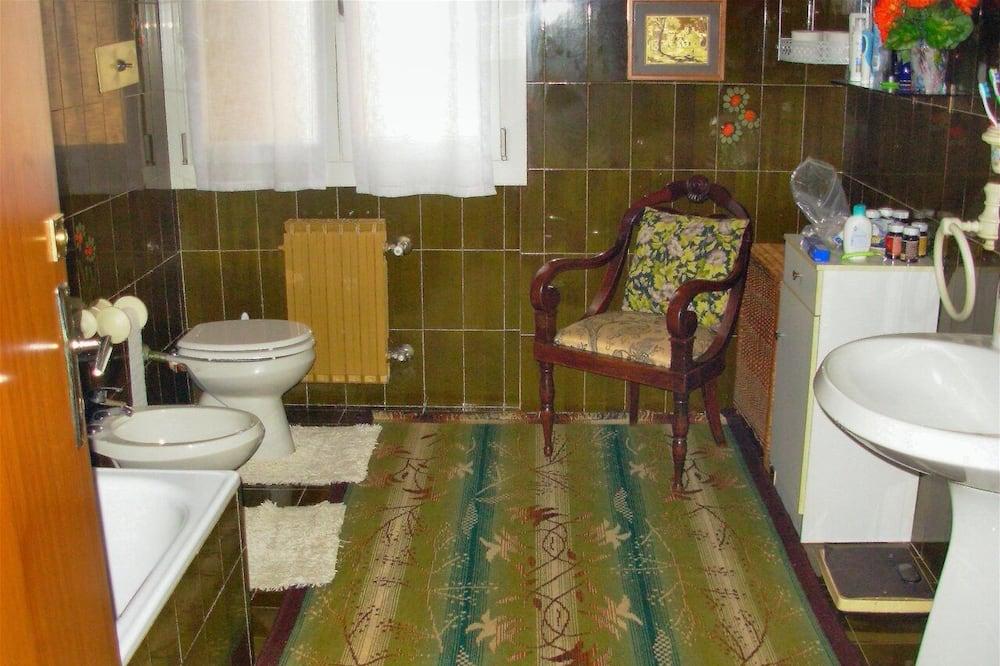 Einzelzimmer, Gemeinschaftsbad - Badezimmer
