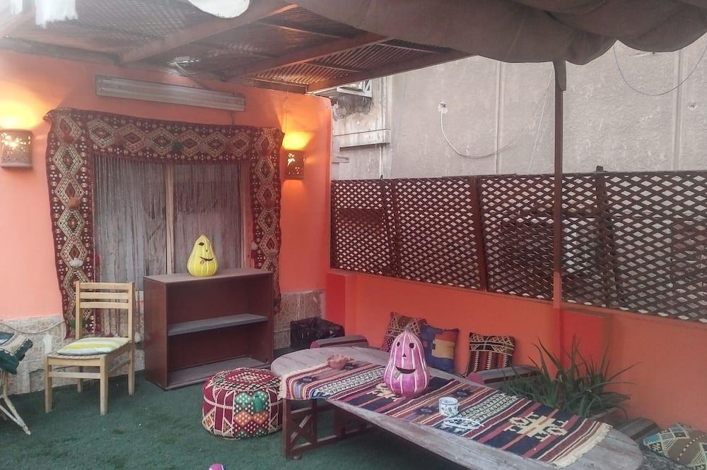 Acogedor, soleado y limpio en la azotea en el corazón de zamalek