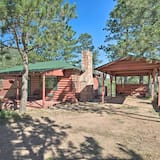 Cabin w/ Porch 5 Miles to Manitou Springs!