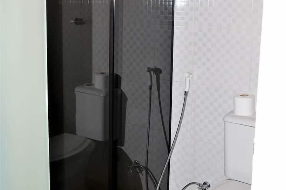 Phòng, Bồn tắm nước nóng - Phòng tắm