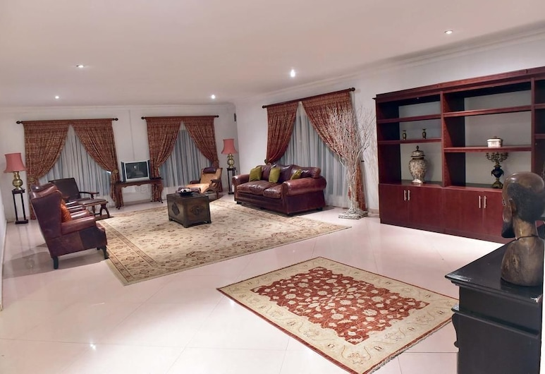 Kamsa Royal Guest House, Pretoria, Salón lounge del hotel