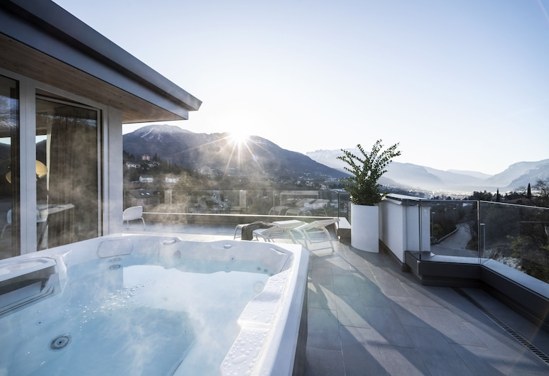 Be Place, Trento, Deluxe Suite, Hot Tub, Guest Room