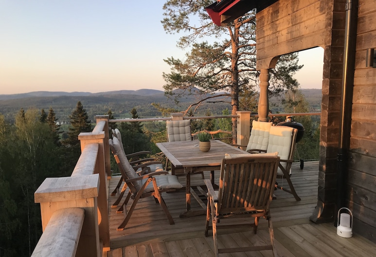 Newly built mountain cottage with wonderful views, Jarvso