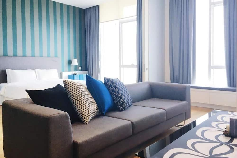 Luksusa numurs ar papildu ērtībām, divas guļamistabas - Dzīvojamā istaba