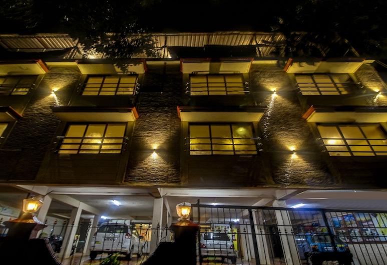 Treebo Trend Bright Holidays, Mahabaleshwar, Hotel Front