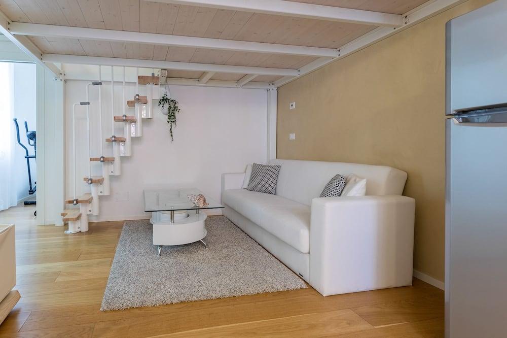 Дуплекс, 2 спальни - Зона гостиной