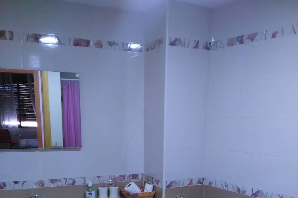 Familiehus - 4 soveværelser - Badeværelse
