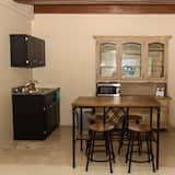 Deluxe Room - In-Room Dining